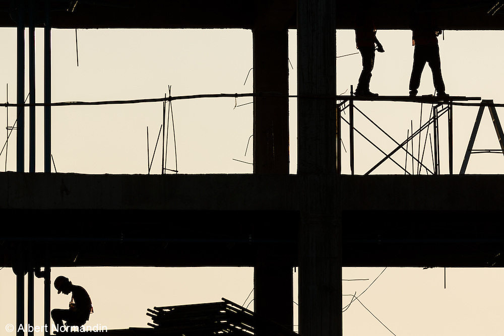 Construction workers on two levels, Nay Pyi Taw