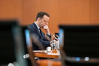 01 APR 2020, BERLIN/GERMANY:<br /> Jens Spahn, CDU, Bundesgesundheitsminister, vor Beginn der Kabinettsitzung, die aufgrund der Abstandsregeln wegen der Corona-Pandemie im  Internationalen Konferenzsaal stattfindet, Bundeskanzleramt<br /> IMAGE: 20200401-01-006<br /> KEYWORDS: Kabinett, Sitzung