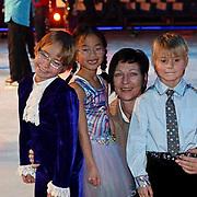 NLD/Amsterdam/20081209 - Perspresentatie Kinderen Sterren Dansen op het IJs 2008, Christiaan bauer, broer Jan Bauer en schaatspartner Ju/Lin de Visser