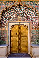 Inde, Rajasthan, Jaipur la ville rose, le City Palace, le Pitam Niwas Chowk, la porte des Lotus // India, Rajasthan, Jaipur the Pink City, the City Palace, the Pitam Niwas Chowk, the Lotus door