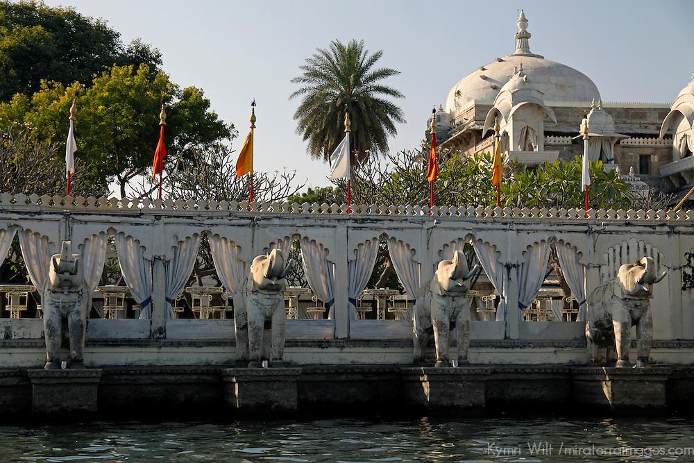 Asia, India, Udaipur. Jag mandir, Garden Lake Palace in Udaipur.