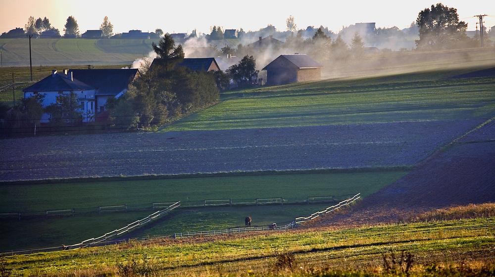 Dolina Prądnika, 2006-10-18. Obszary rolnicze i zabudowania w okolicy Doliny Prądnika
