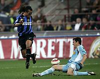 Milano 30-10-2004<br /> <br /> Campionato di calcio Serie A 2004-05<br /> <br /> Inter Lazio 1-1<br /> <br /> nella  foto Davids Inter e Talamonti Lazio<br /> <br /> Foto Snapshot / Graffiti