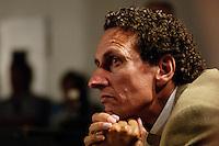 "22 AUG 2005, BERLIN/GERMANY:<br /> Julian Nida-Ruemelin, Kulturstaatsminister a.D., Diskussion zum Thema ""7 Jahre rot-gruene Kulturpolitik"", Palais der Kulturbrauerei<br /> IMAGE: 20050822-03-084<br /> KEYWORDS: Julian Nida-Rümelin"
