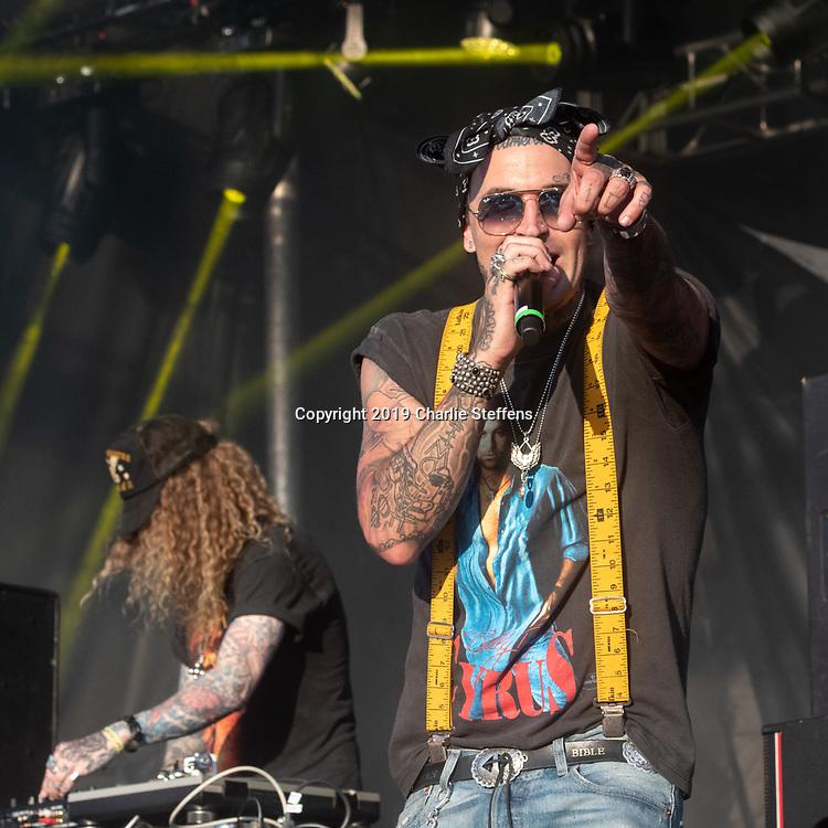 Yelawolf performs on May 4, 2019 at Metropolitan Park in Jacksonville, Florida (Photo: Charlie Steffens/Gnarlyfotos)
