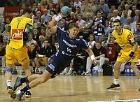 Håndball,<br /> Handball Champions League Finale <br /> Flensburg Handewitt - Pivovarna Celje<br /> v.l. Marco Ostir, Johnny Jensen, Matjaz Brumen<br /> Foto: Digitalsport