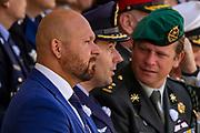Medailleuitreiking op het Binnenhof.<br /> <br /> Op de foto: De drie Nederlandse Ridders van de Militaire Willemsorde, Luitenant-kolonel Gijs Tuinman, Majoor Roy de Ruiter en Majoor Marco Kroon