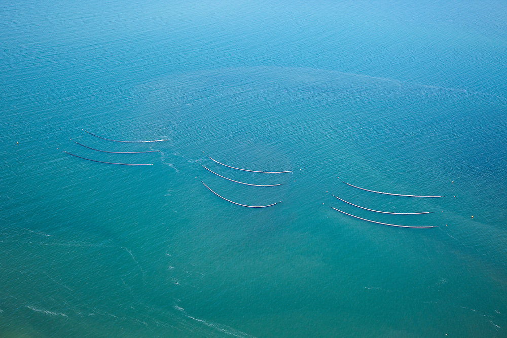 Nederland, Zeeland, Grevelingen, 12-06-2009; mosselpercelen in het Grevelingenmeer, staande netten (of fuiken), voorzien van boeien.mussel plots in the Grevelingenmeer, fixed nets with buoys.luchtfoto (toeslag), aerial photo (additional fee required).foto/photo Siebe Swart