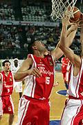 DESCRIZIONE : Roma Lega A1 2006-07 Lottomatica Virtus Roma Whirlpool Varese <br /> GIOCATORE : Fernandez <br /> SQUADRA : Whirlpool Varese <br /> EVENTO : Campionato Lega A1 2006-2007 <br /> GARA : Lottomatica Virtus Roma Whirlpool Varese <br /> DATA : 25/04/2007 <br /> CATEGORIA : Rimbalzo <br /> SPORT : Pallacanestro <br /> AUTORE : Agenzia Ciamillo-Castoria/G.Ciamillo