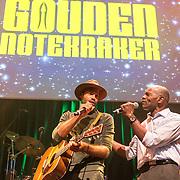 NLD/Amsterdam/20180917 - Uitreiking de Gouden Notenkraker 2018, Alain Clarck treedt op met zijn vader Dane Clarck