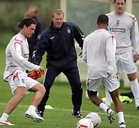 Photo: Paul Thomas.<br /> England training at Carrington. 30/08/2006. <br /> <br /> <br /> Steve McClaren.
