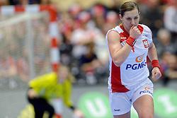 18-12-2015 DEN: World Championships Handball 2015 Poland  - Netherlands, Herning<br /> Halve finale - Nederland staat in de finale door Polen met 30-25 te verslaan / Karolina Kudlacz-Gloc #14 of Poland