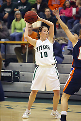 10 January 2009: Claire Sheehan. The Lady Titans of Illinois Wesleyan University downed the and Lady Thunder of Wheaton College by a score of 101 - 57 in the Shirk Center on the Illinois Wesleyan Campus in Bloomington Illinois.