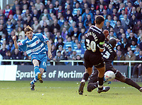 Photo: Kevin Poolman.<br />Reading v Derby County. Coca Cola Championship. 01/04/2006. John Oster scores for Reading