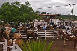 Movimento de público no 12 Rodeio Internacional do Mercosul. FOTO: Jefferson Bernardes/Preview.com