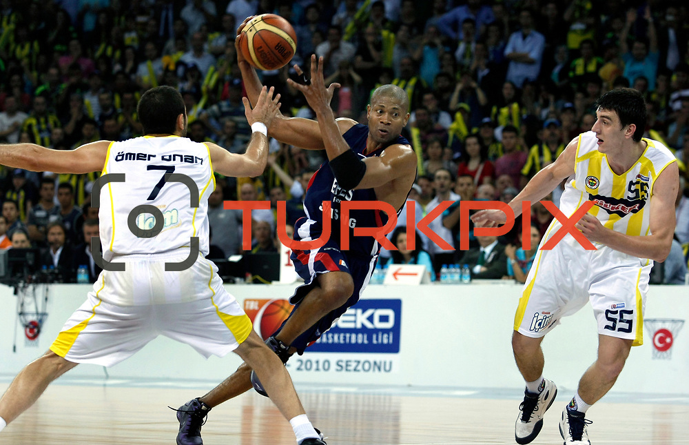 Fenerbahce Ulker's Emir PRELDZIC (R) and Efes Pilsen's Charles SMITH (C) during their Turkish Basketball league Play Off Final Sixth Leg match Fenerbahce Ulker between Efes Pilsen at the Abdi Ipekci Arena in Istanbul Turkey on Wednesday 02 June 2010. Photo by Aykut AKICI/TURKPIX