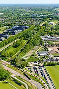 Nederland, Utrecht, Utrecht, 13-05-2019; Het trace van de Uithoflijn (tramlijn), kruist de Laan van Maarschalkerweerd, naar links, richting Uithof.<br /> De Uithoflijn is de sneltram verbinding tussen Utrecht Centraal en Utrecht Science Park / De Uithof.<br /> Uithoflijn, the express tram connection between Utrecht Central Station and Utrecht Science Park / De Uithof.<br /> luchtfoto (toeslag op standard tarieven);<br /> aerial photo (additional fee required);<br /> copyright foto/photo Siebe Swart