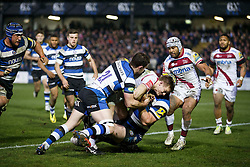 Sale Scrum-Half Dwayne Peel beats Bath replacement Micky Young to a loose ball to deny Bath a try - Photo mandatory by-line: Rogan Thomson/JMP - 07966 386802 - 28/03/2014 - SPORT - RUGBY UNION - The Recreation Ground, Bath - Bath Rugby v Sale Sharks - Aviva Premiership.