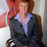 Bekendmaking winnaar Max Factor Sexy Lips 2004, visagist Bridget Jones Diary, Graham Johnston