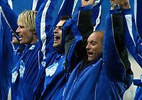 Fotball, 15. oktober 2003, UEFA - cupen, 1 runde, Molde Stadion, Molde-Leiria,  Trener Odd Berg, Molde, jubler sammen med Magne Hoseth
