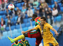 2017?6?23?.   ????????——?????????????????.    6?22??????????????????????????????????????.    ??????????????2017????????B???????????1?1?????????.    ?????????..(SP)RUSSIA-ST. PETERSBURG-2017 FIFA CONFEDERATIONS CUP-CMR VS AUS..(170623) -- ST. PETERSBURG, June 23, 2017  Vincent Aboubakar (L) of Cameroon competes for a header with Trent Sainsbury of Australia during the group B match between Cameroon and Australia of the 2017 FIFA Confederations Cup in St. Petersburg, Russia, on June 22, 2017. The match ended with a 1-1 tie.  7 9854294892 (Credit Image: © Xu Zijian/Xinhua via ZUMA Wire)