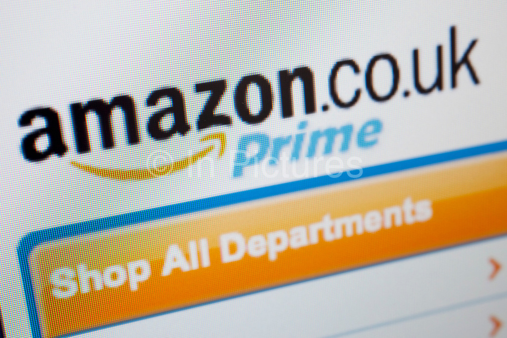 Computer screen showing the website for online shopping site, Amazon