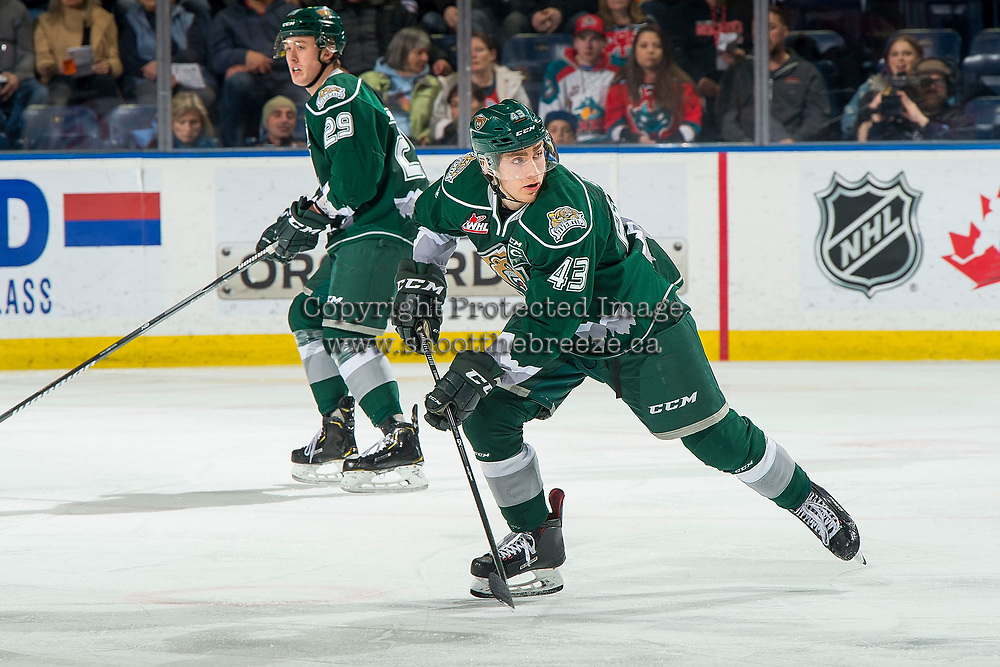 KELOWNA, BC - FEBRUARY 15:  Connor Dewar #43 of the Everett Silvertips looks for the pass against the Kelowna Rockets at Prospera Place on February 15, 2019 in Kelowna, Canada. (Photo by Marissa Baecker/Getty Images)