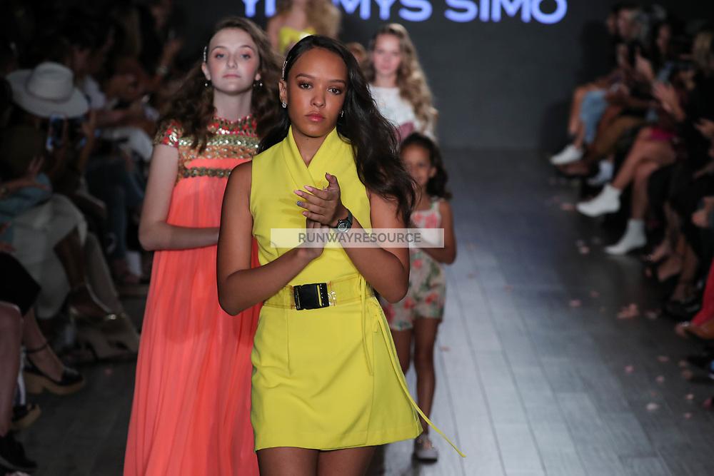 Klarna STYLE360 NYFW Hosts Chick And Ydamys Simo Runway Show