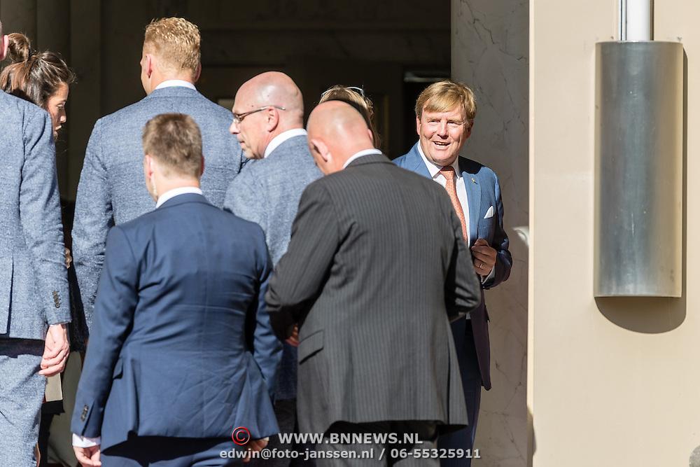 NLD/Den Haag/20160824 - Huldiging sporters Rio 2016, Willem - Alexander bedankt de sporters