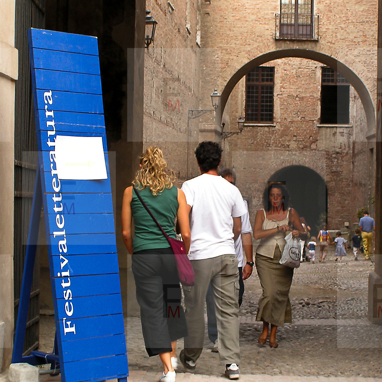 Festivaletteratura offers five days of readings, meetings with writers and shows. Since 1997 Festivaletteratura has become a regular rendez-vous for book lovers to meet writers, and actors in the piazzas and streets of Mantua.