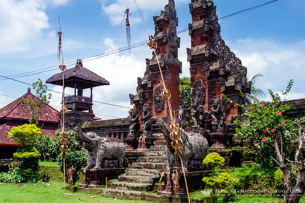 Bali, Tabanan. A temple south of Tabanan city.