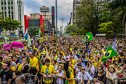 September 30, 2018 - SãO Paulo, São Paulo, Brazil - SAO PAULO SP, SP 30/09/2018 BRAZIL-ELECTION-CANDIDATE-BOLSONARO-SUPPORTERS: View of a demonstration in support of Brazilian right-wing presidential candidate Jair Bolsonaro at Paulista Avenue, in Sao Paulo, Brazil on September 30, 2018. - As detractors organized marches across Brazil against the 63-year-old former army captain who has been branded racist, misogynist and homophobic, under the hashtag #EleNao (Not Him), his supporters also take to the streets and laud his tough stance on tackling Brazil's rising crime rate and his pledge to protect traditional family values. (Credit Image: © Cris Faga/ZUMA Wire)
