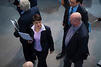 DEU, Deutschland, Germany, Berlin, 29.11.2018: Dr. Frauke Petry und Mario Mieruch (beide fraktionslos) nach der Abstimmung zum UN-Migrationspakt bei der Plenarsitzung im Deutschen Bundestag.