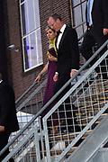 Koningin Máxima reikt op donderdag 26 mei in Eindhoven de Koning Willem I Prijs 2016 en de Koning Willem I Plaquette voor Duurzaam Ondernemerschap 2016 uit in Radio Royaal, Eindhoven.De Koning Willem I Prijs is een ondernemingsprijs die sinds 1958 tweejaarlijks wordt toegekend door de Koning Willem I Stichting.<br /> <br /> Queen Máxima presented on Thursday, May 26 in Eindhoven, the King Willem I Award in 2016 and the King William I Plaque for Sustainable Entrepreneurship 2016 in Radio Generous, Eindhoven.De King Willem I Prize is a company prize awarded biennially since 1958 by King William I Foundation.<br /> <br /> Op de foto:  Vertrek Koningin Maxima / Queen Maxima Leaves
