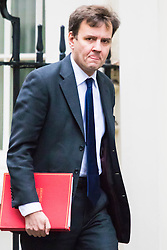 Downing Street, London, November 24th 2015. Chief Secretary to the Treasury Greg Hands arrives at Downing Street for the weekly cabinet meeting. ///FOR LICENCING CONTACT: paul@pauldaveycreative.co.uk TEL:+44 (0) 7966 016 296 or +44 (0) 20 8969 6875. ©2015 Paul R Davey. All rights reserved.