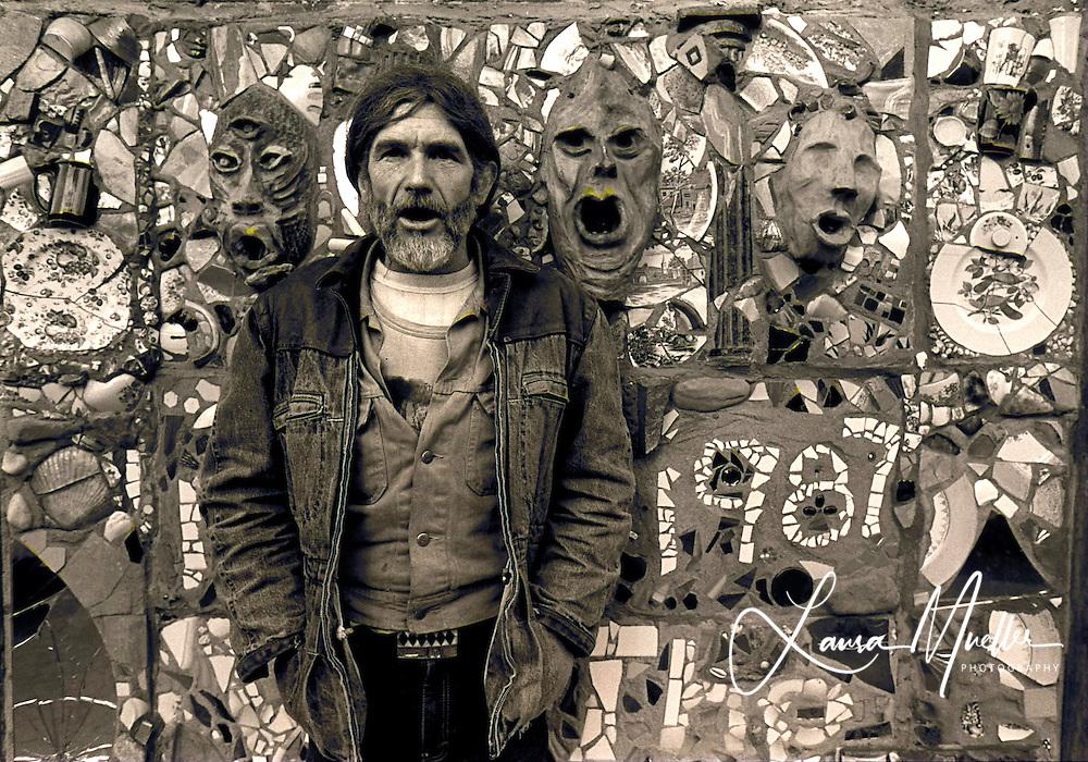 New York 1987 - Mural Artist..© Laura Mueller