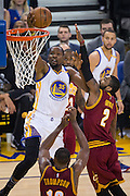 Golden State Warriors forward Kevin Durant (35) takes the ball to the basket against the Cleveland Cavaliers at Oracle Arena in Oakland, Calif., on January 16, 2017. (Stan Olszewski/Special to S.F. Examiner)