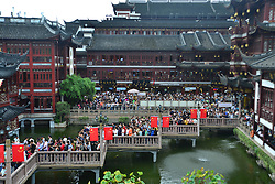 October 3, 2017 - Shanghai, Shanghai, China - Shanghai,CHINA-3rd October 2017: (EDITORIAL USE ONLY. CHINA OUT)..The Yu Garden is crowded with tourists during the National Day holiday in Shanghi, October 3rd, 2017.Yu Garden or Yuyuan Garden is an extensive Chinese garden located beside the City God Temple in the northeast of the Old City of Shanghai, China. (Credit Image: © SIPA Asia via ZUMA Wire)