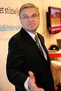 Hirsch Ballin<br /> Minister van Justitie Hirsch Ballin maakt zijn opwachting tijdens de eerste publieksdag van de vakantiebeurs, woensdag 13 januari, en lanceert  de bewustwordingscampagne en de internet hotline kindersekstoerisme. Deze campagne is door het Ministerie en de Koninklijke Marechaussee Schiphol gerealiseerd in samenwerking met de Politie (landelijk projectorganisatie kinderporno) en Stichting Meld Misdaad Anoniem. Naast de lancering van de bewustwordingscampagne wordt de nationale hotline www.kindersekstoerisme.nl in gebruik genomen. Deze hotline is op verzoek van Justitie gerealiseerd door het Meldpunt Kinderporno op het Internet. <br /> <br /> Op de Foto:  Minister van Justitie Hirsch Ballin  *** Local Caption *** bewustwordingscampagne kindersekstoerisme