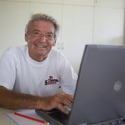 Blogger Lorne Main, USA, during the 2009 ITF Super-Seniors World Team and Individual Championships at Perth, Western Australia, between 2-15th November, 2009.