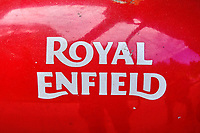 Inde, Bengale Occidental, Darjeeling, reservoir d'une moto Royal Enfield // India, West Bengal, Darjeeling, tank of a Royal Enfield motorcycle