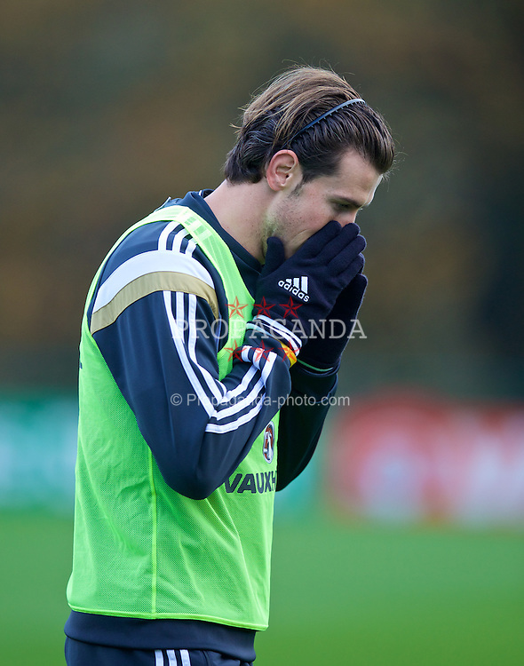 CARDIFF, WALES - Saturday, November 15, 2014: Wales' Gareth Bale during training at the Vale of Glamorgan ahead of the UEFA Euro 2016 Qualifying Group B game against Belgium. (Pic by David Rawcliffe/Propaganda)