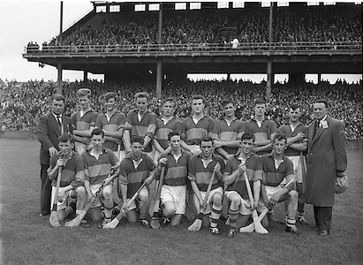 Neg no: A444/9455-9462..28071957AISHCSF..28.07.1957, 07.28.1957, 28th July 1957...Tipperary minor hurling team.Incorrect Folder