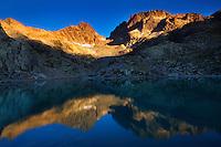 Mountain impression Lac Blanc, Aiguilles Rouges - Europe, France, Haute Savoie, Aiguilles Rouges, Chamonix, Lac Blanc - Sunrise - September 2008