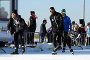 DE HOLLANDSE100 by LYMPH & CO op FlevOnice te Biddinghuizen. Een duatlon bestaande uit twee onderdelen: schaatsen en fietsen. Het evenement wordt georganiseerd om geld op te halen voor Lymph&Co dat zich inzet tegen lymfklierkanker.<br /> <br /> Op de foto:  Patrick Kluivert