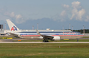 American Airlines, Boeing 767-323..