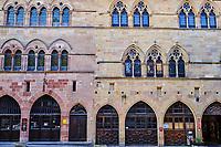 France, Tarn (81), Cordes-sur-Ciel, village médiéval bâti sur le puech de Mordagne, Grand Rue Raimond VII, maison du Grand Veneur XIVe siècle // France, Tarn (81), Cordes-sur-Ciel, medieval village built on the puech de Mordagne