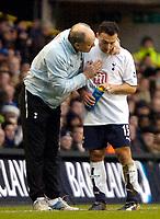 Photo: Ed Godden.<br /> Tottenham Hotspur v Aston Villa. The Barclays Premiership. 26/12/2006. Spurs Manager Martin Jol, gives some advice to Steed Malbranque.