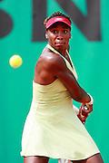Roland Garros. Paris, France. June 4th 2006..Venus Williams against Patty Schnyder.