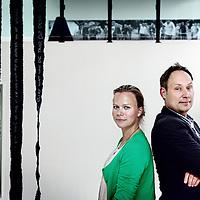 Nederland, Amsterdam , 4 mei 2011..Michiel Hogenboom en Carolien Smit oprichters van We Like Art..We Like Art begon als een weblog dat mensen informeert over betaalbare kunst. In korte tijd is We Like Art een belangrijke speler geworden in de Nederlandse kunstwereld..Foto:Jean-Pierre Jans